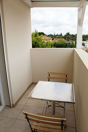solarium vue chambre d'hôtes les flamants roses villa maimona balaruc les bains